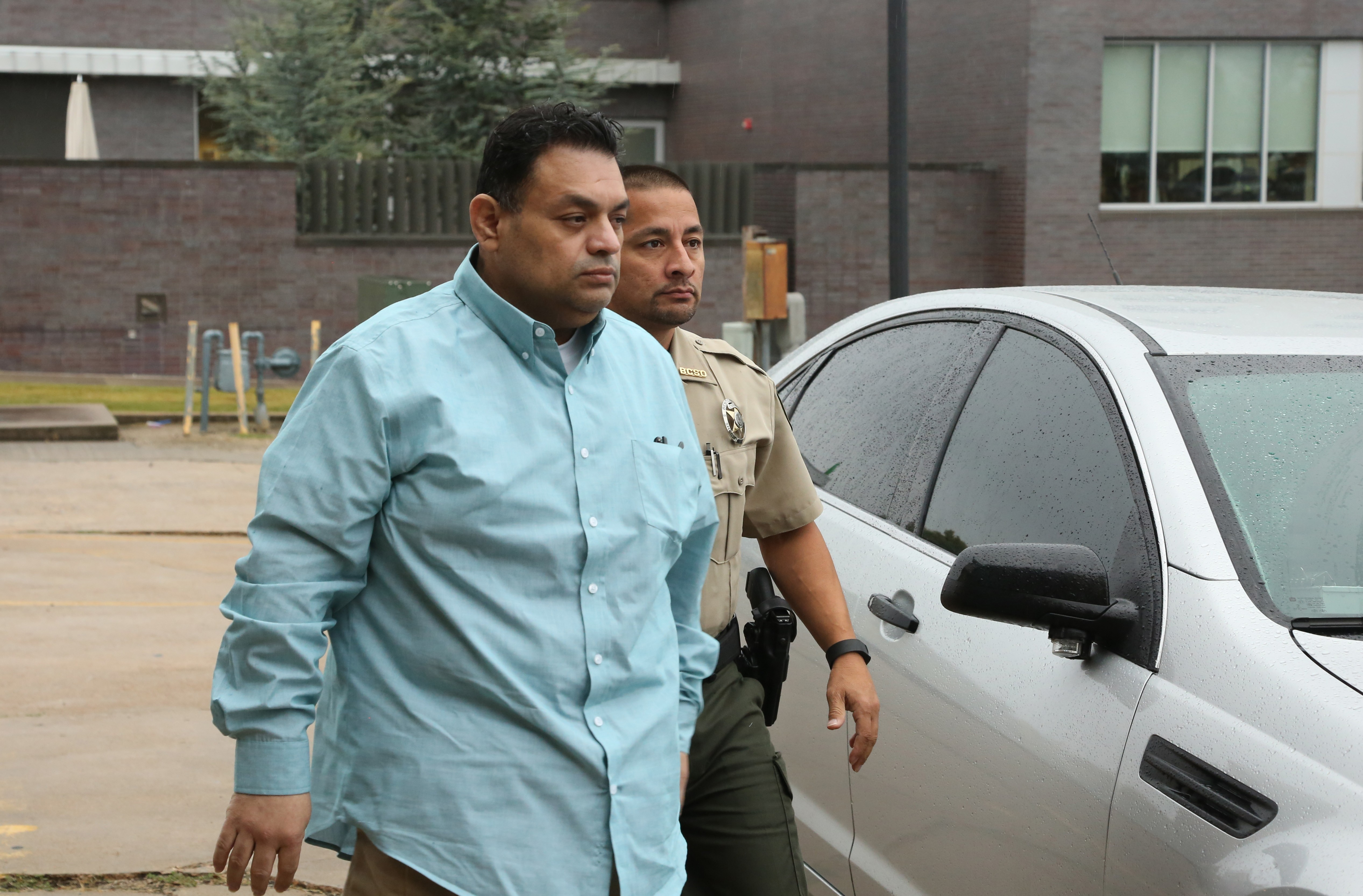 Mauricio Torres arriving at the Benton County courthouse in 2016.