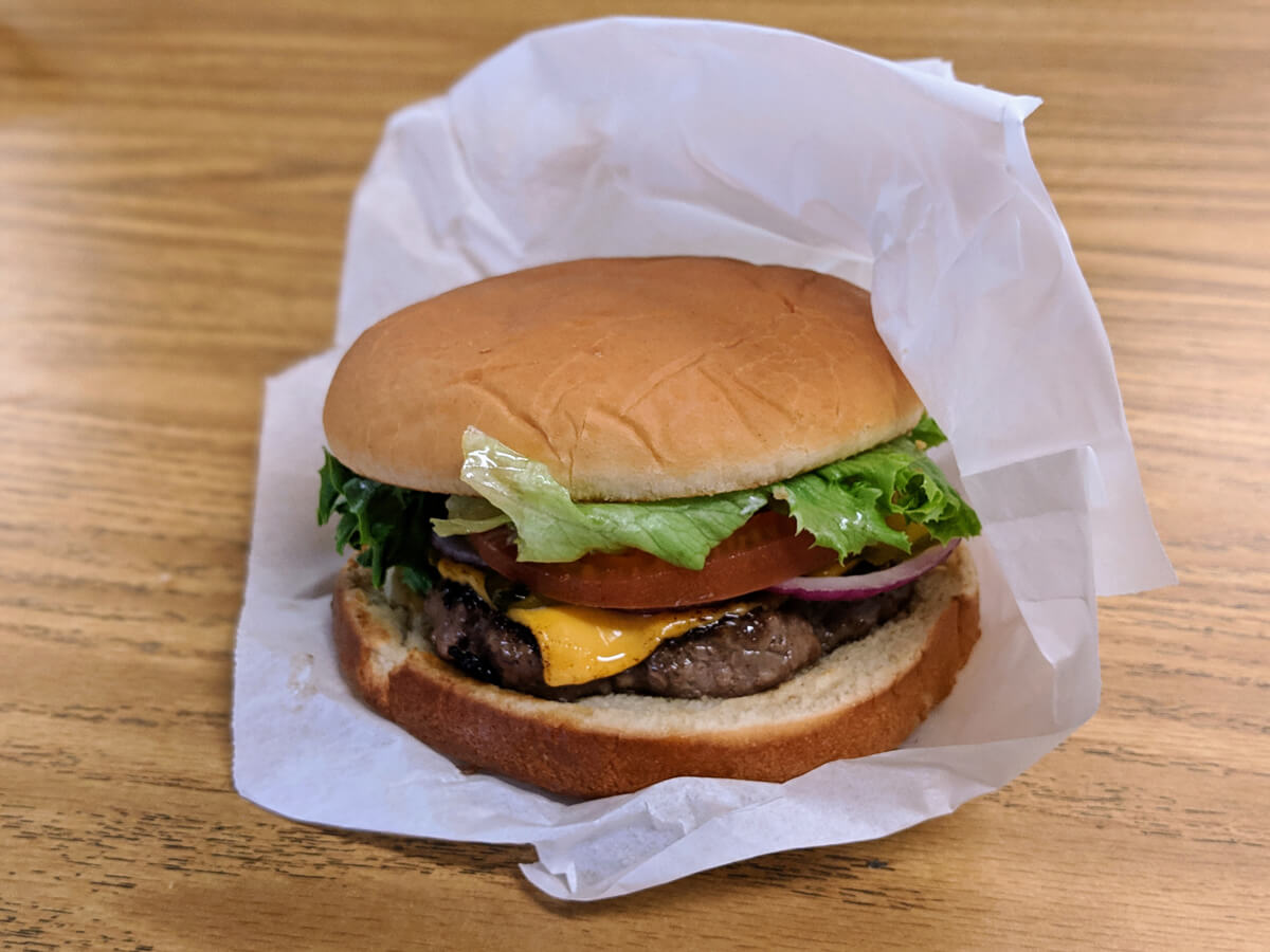 image of cheeseburger from the Dairyette in Mount Ida