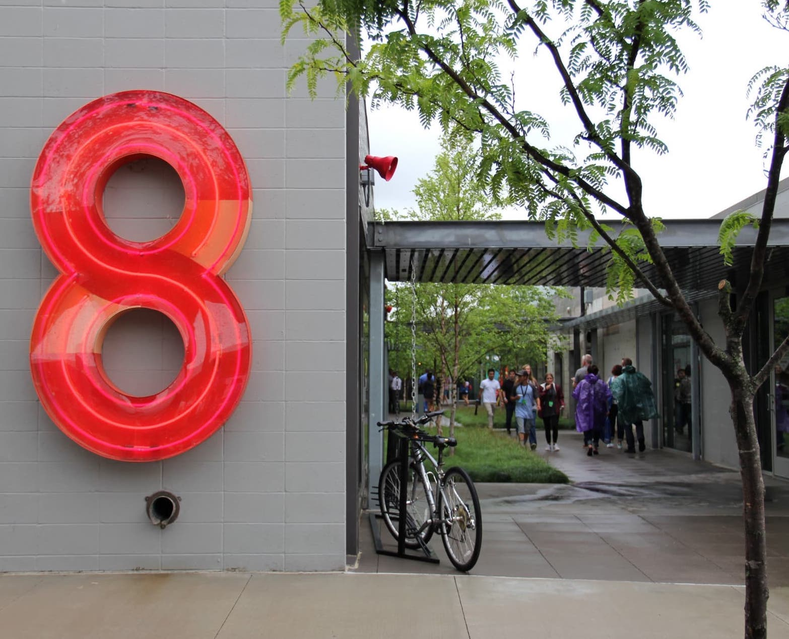 number 8 and market