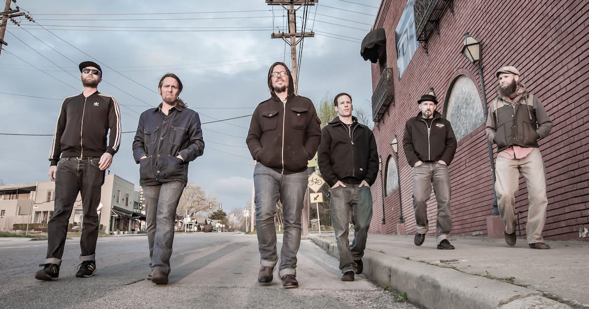 Picture of the band Dirtfoot