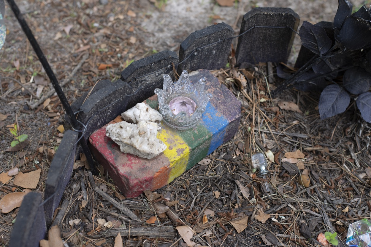 Picture of trinket left at Files Cemetery in Hot Springs to honor AIDS victims