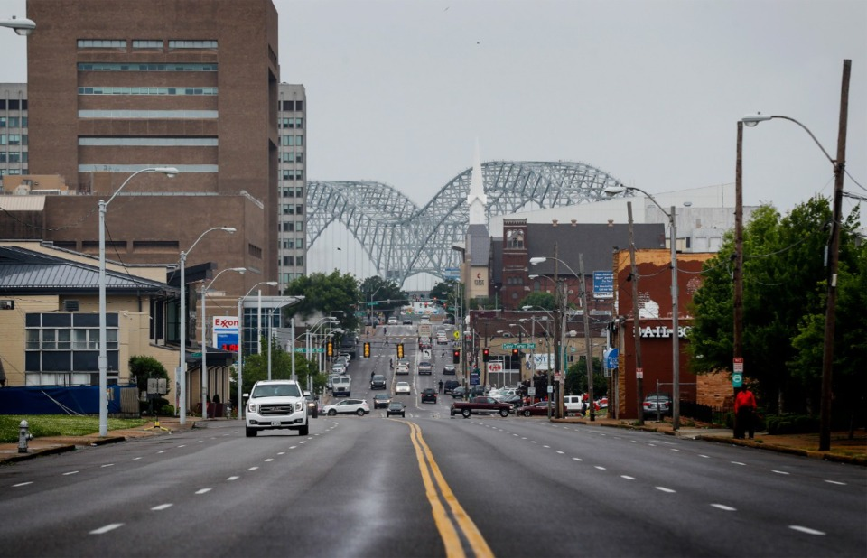 Photo of the I-40 bridge as seen from Memphis